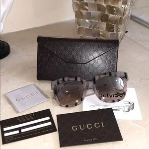 Gucci square 53 mm pink & black stripes sunglasses